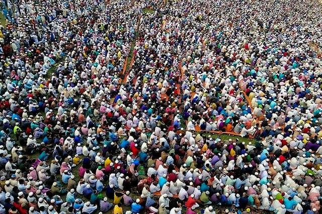 Hơn 10.000 tín đồ tập trung cầu nguyện để đuổi virus corona - 1