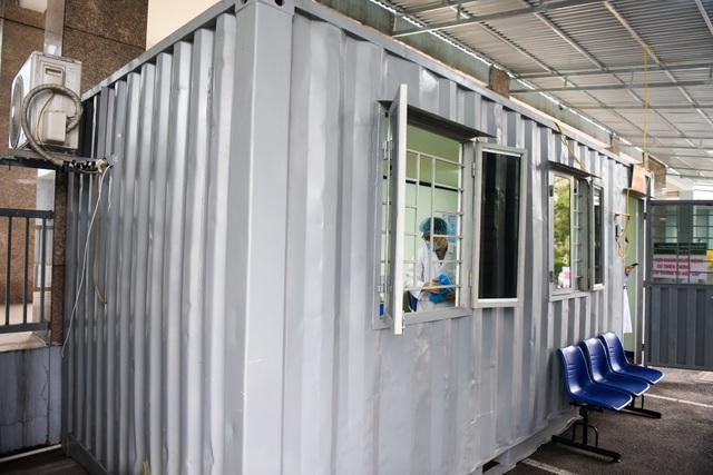 Bệnh viện K lập khu cách ly bằng container trong thời dịch Covid-19 - 11