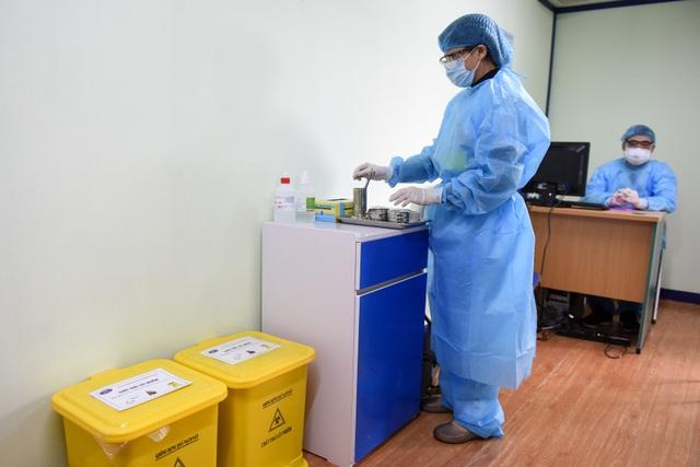 Bệnh viện K lập khu cách ly bằng container trong thời dịch Covid-19 - 10
