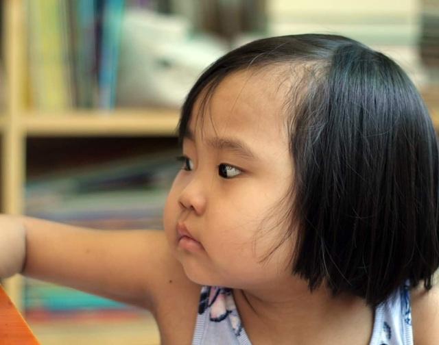 Người mẹ cầu xin mọi người cứu con gái nhỏ ung thư máu mơ làm bác sĩ - 4