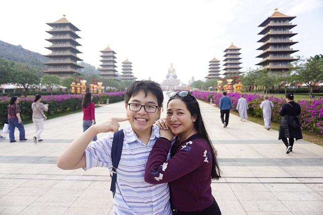 MC Quỳnh Hương đồng ý khi cho con trai quyết định ở lại Anh - 1
