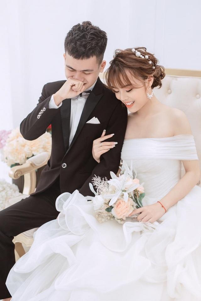 Nghỉ học vì dịch Covid-19, cặp đôi sinh viên quyết định cưới nhau - 3