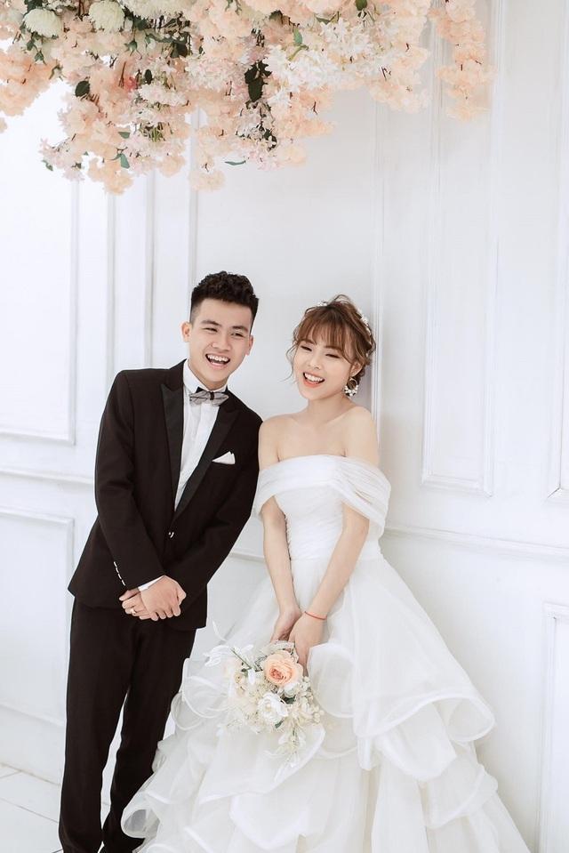 Nghỉ học vì dịch Covid-19, cặp đôi sinh viên quyết định cưới nhau - 4