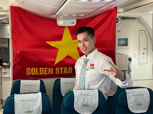 """Tiếp viên hàng không trước chuyến bay quốc tế cuối cùng trong """"bão dịch"""" - 1"""