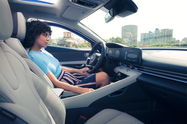 Cận cảnh Hyundai Elantra thế hệ mới vừa ra mắt - Làn gió lạ - 37