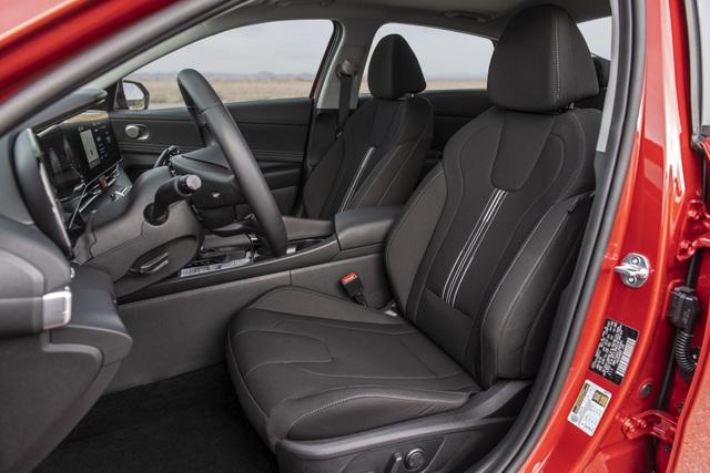 Cận cảnh Hyundai Elantra thế hệ mới vừa ra mắt - Làn gió lạ - 33