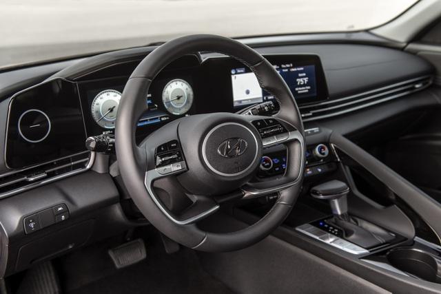 Cận cảnh Hyundai Elantra thế hệ mới vừa ra mắt - Làn gió lạ - 15