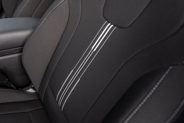Cận cảnh Hyundai Elantra thế hệ mới vừa ra mắt - Làn gió lạ - 34