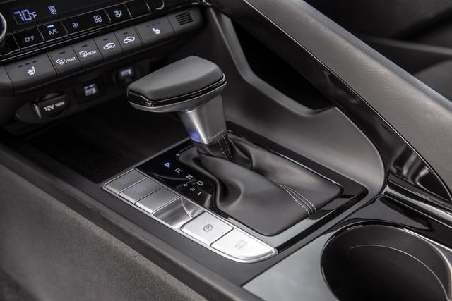 Cận cảnh Hyundai Elantra thế hệ mới vừa ra mắt - Làn gió lạ - 18