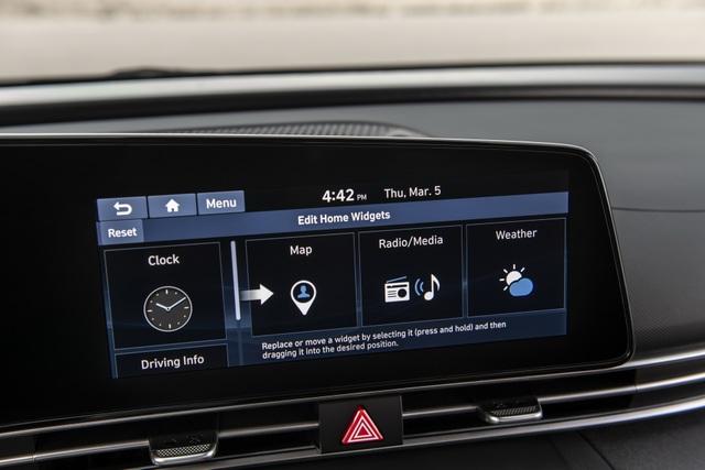 Cận cảnh Hyundai Elantra thế hệ mới vừa ra mắt - Làn gió lạ - 26