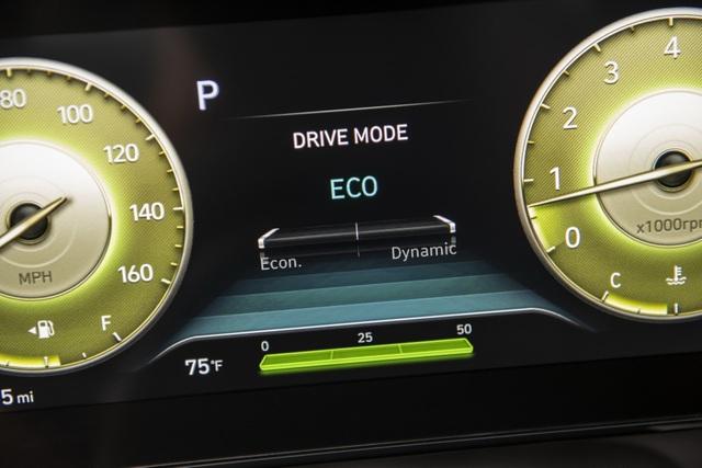 Cận cảnh Hyundai Elantra thế hệ mới vừa ra mắt - Làn gió lạ - 22
