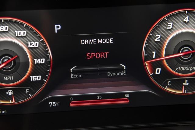 Cận cảnh Hyundai Elantra thế hệ mới vừa ra mắt - Làn gió lạ - 21