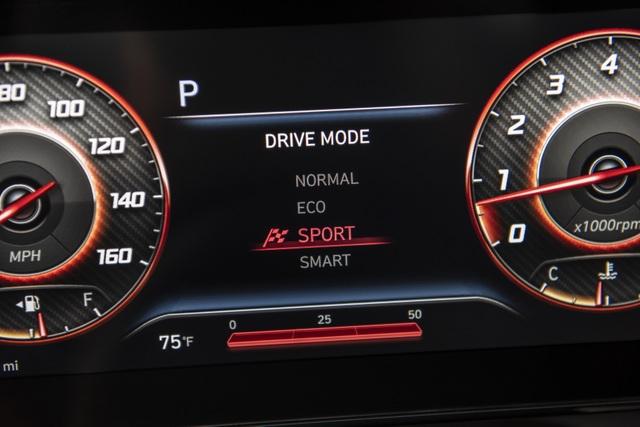 Cận cảnh Hyundai Elantra thế hệ mới vừa ra mắt - Làn gió lạ - 20