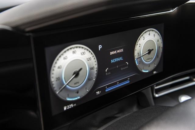 Cận cảnh Hyundai Elantra thế hệ mới vừa ra mắt - Làn gió lạ - 24