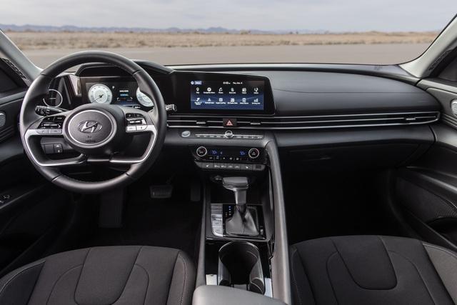 Cận cảnh Hyundai Elantra thế hệ mới vừa ra mắt - Làn gió lạ - 17