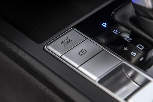 Cận cảnh Hyundai Elantra thế hệ mới vừa ra mắt - Làn gió lạ - 30