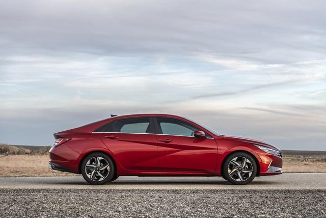 Cận cảnh Hyundai Elantra thế hệ mới vừa ra mắt - Làn gió lạ - 6