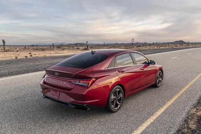 Cận cảnh Hyundai Elantra thế hệ mới vừa ra mắt - Làn gió lạ - 11