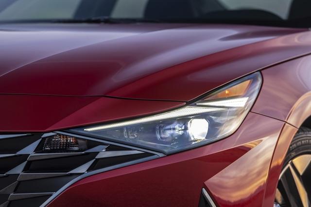 Cận cảnh Hyundai Elantra thế hệ mới vừa ra mắt - Làn gió lạ - 3