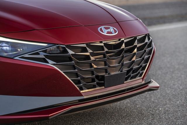 Cận cảnh Hyundai Elantra thế hệ mới vừa ra mắt - Làn gió lạ - 8