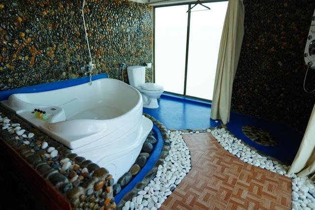 Nhiều người xin được cách ly ở resort, khách sạn cao cấp - 12