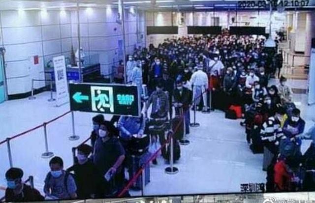 Giới nhà giàu Hoa kiều chi hơn 560 triệu đồng về Trung Quốc tránh dịch - 1