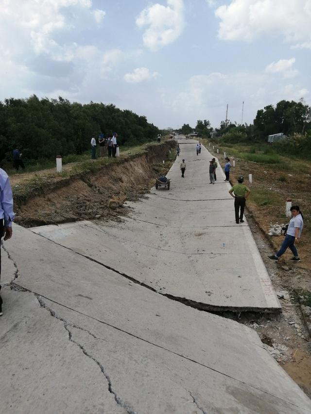 Hơn 1.100 điểm sụt lún do khô hạn - 2