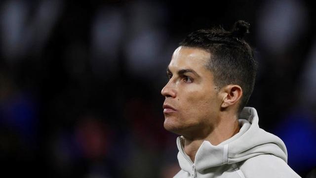 Ronaldo có thể bị giảm lương do ảnh hưởng của dịch Covid-19 - 1