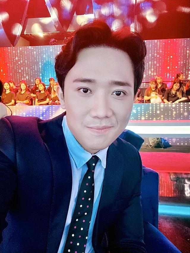 """MC Trấn Thành lên tiếng việc nghệ sĩ bị """"ném đá"""" khi làm từ thiện - 1"""