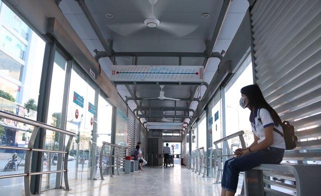 Chủ tịch Hà Nội khuyên người dân tạm thời không đi xe buýt - 1