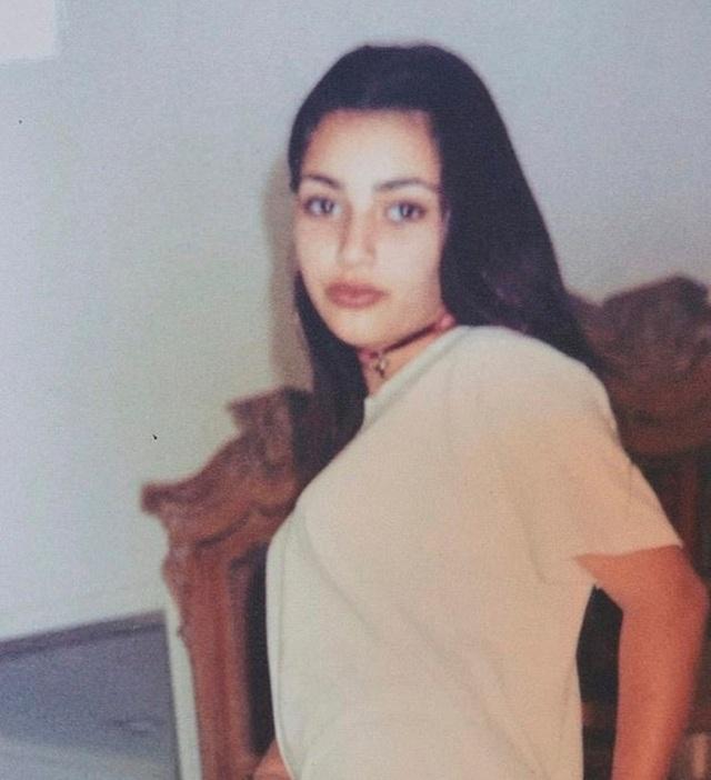 Kim Kardashian chia sẻ ảnh ngày bé với fans - 2