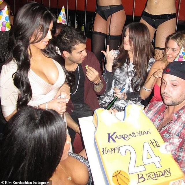 Kim Kardashian chia sẻ ảnh ngày bé với fans - 4