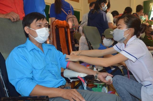 2 người trẻ hiến máu tình nguyện tiêu biểu ở miền cù lao sông nước - 1