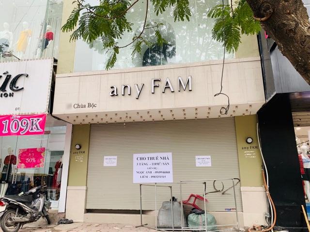 La liệt shop hàng đóng cửa, trả mặt bằng ở con phố sầm uất bậc nhất Hà Nội - 3
