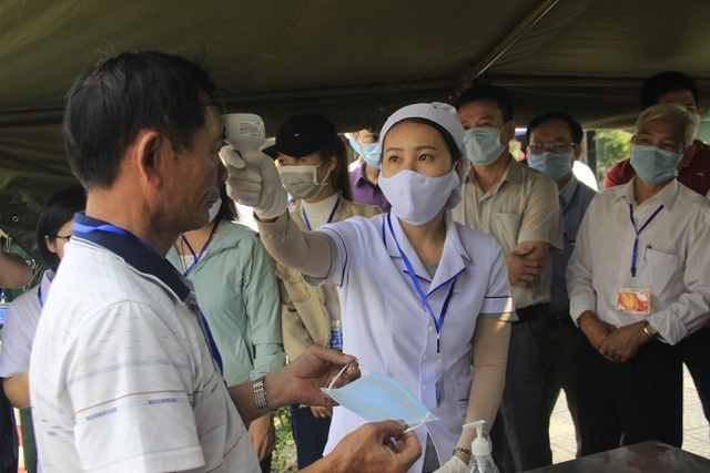 Giả định xử lý tình huống có người nhiễm SARS-CoV-2 trong cộng đồng - 3