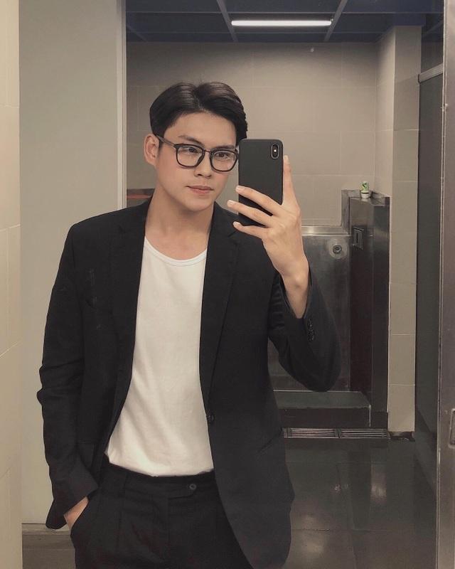 """""""Soái ca học đường"""" Vũ Thái Hưng nói về cám dỗ tình tiền khi làm người mẫu - 6"""