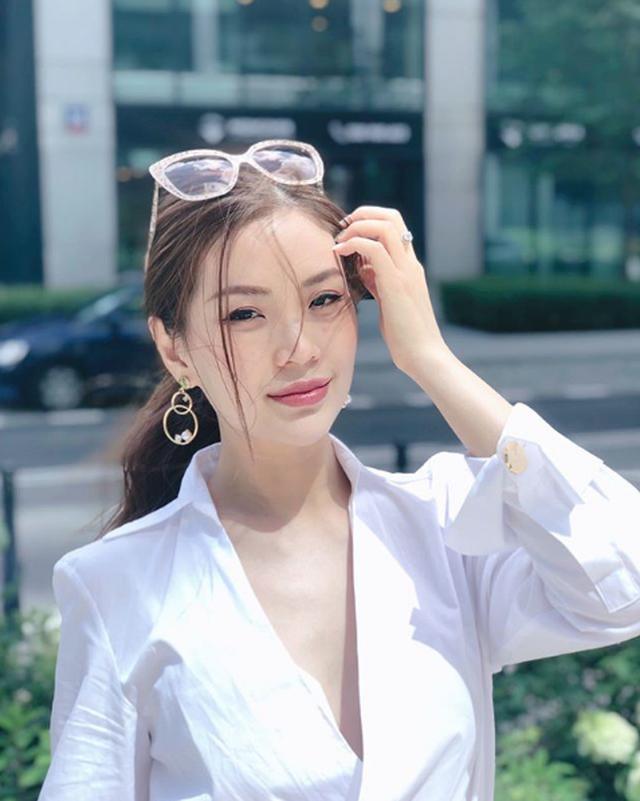 """Á hậu Diễm Trang cảm ơn Đại sứ quán Ba Lan vì """"sự tử tế"""" trong đại dịch - 1"""