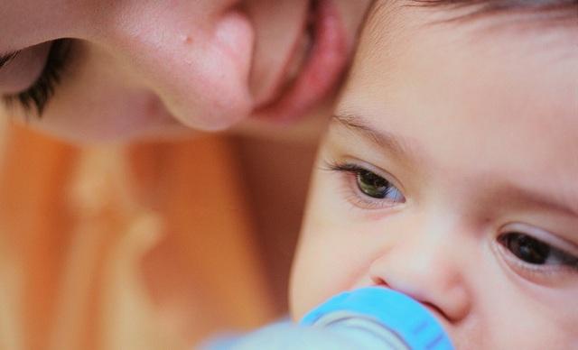 Những điều cha mẹ cần lưu ý khi bảo quản và sử dụng sữa công thức - 1