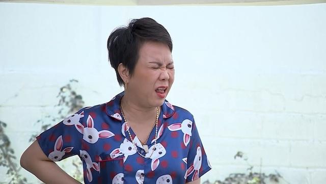 """Việt Hương bị Phi Phụng đòi đưa đi """"cách li"""" vì nghi cô ho truyền nhiễm - 2"""