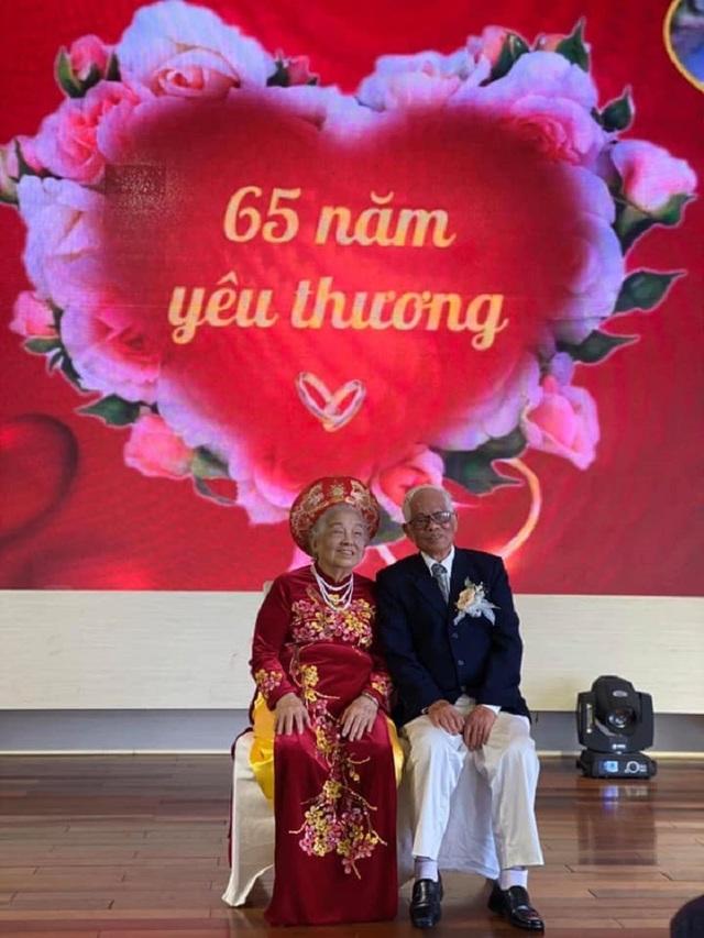 """Chuyện tình yêu """"trên cả kim cương"""" của vợ chồng U90 hút dân mạng - 1"""