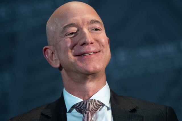 """Jeff Bezos """"lôi kéo"""" trăm ngàn nhân viên nhà hàng, quán bar sang Amazon - 1"""