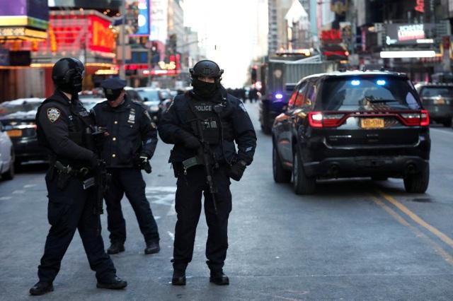 Hơn 50 cảnh sát New York mắc Covid-19 - 1