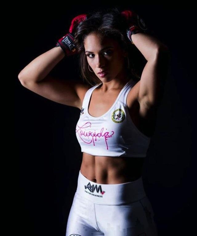 Quá nóng bỏng quyến rũ, nữ võ sĩ MMA dính tin đồn bơm ngực - 5
