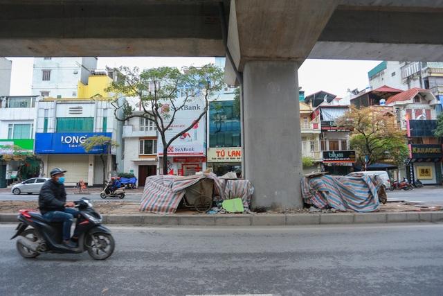 Hành lang đường sắt Cát Linh - Hà Đông thành nơi đổ rác - 11