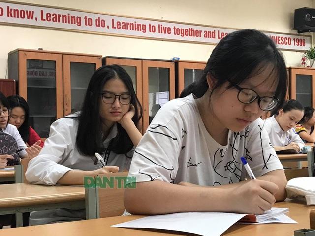 Thứ trưởng Bộ GDĐT: Tinh giản nội dung để rút ngắn thời gian học kì 2 - 2