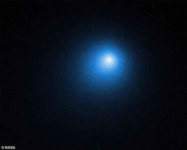 Atlas- sao chổi mới được phát hiện có thể tỏa sáng rực rỡ như mặt trăng - 1