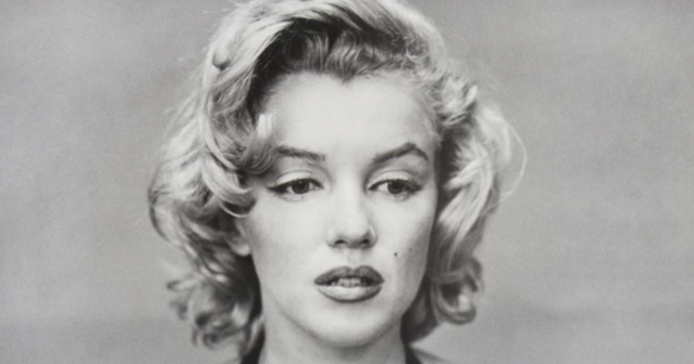 Bức ảnh hiếm của Marilyn Monroe được bán với giá hơn 60.000 USD - 2