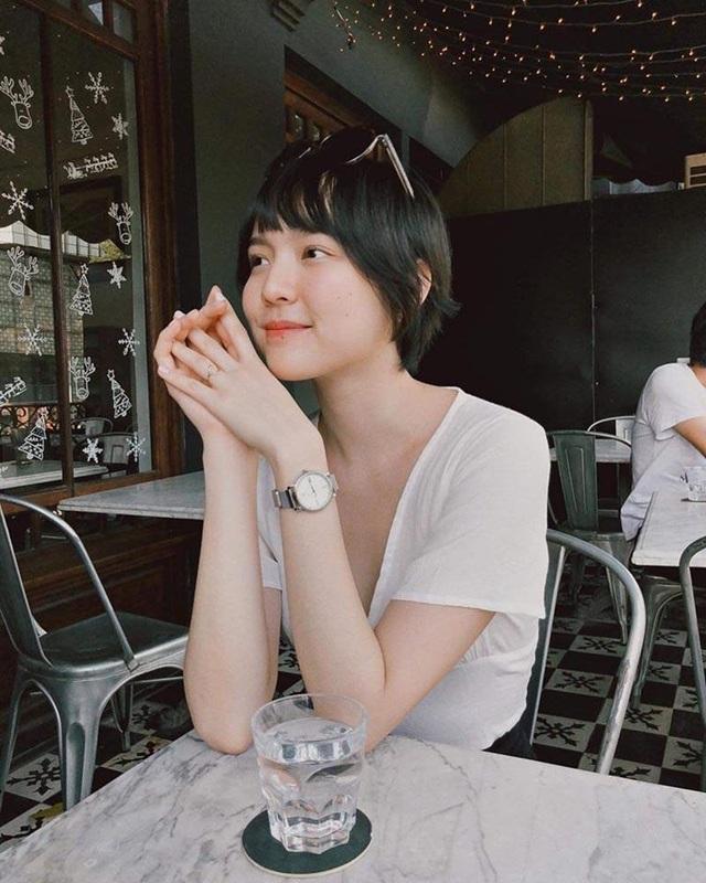 """Hot girl Sài Gòn từ Pháp trở về cách ly: """"Thứ quý giá nhất là sức khoẻ"""" - 1"""