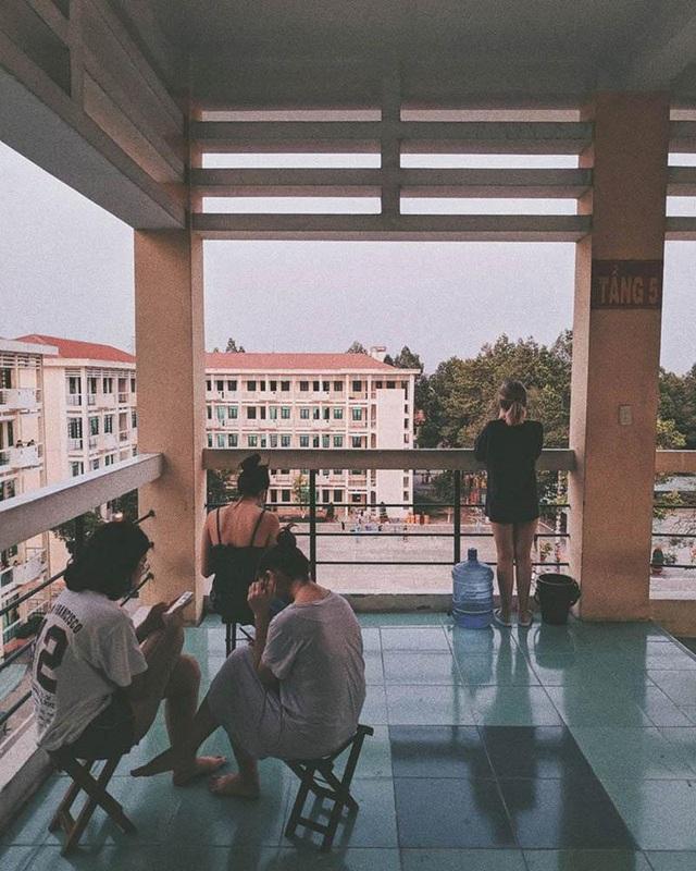 """Hot girl Sài Gòn từ Pháp trở về cách ly: """"Thứ quý giá nhất là sức khoẻ"""" - 8"""