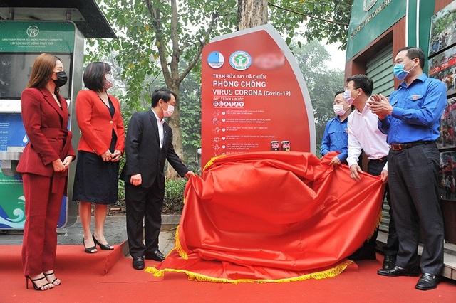 Chi Pu làm đại sứ gây quỹ dựng 100 trạm rửa tay dã chiến miễn phí - 1